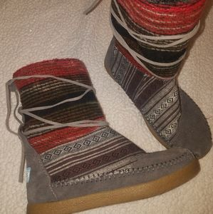 Toms Boots size 6